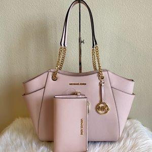 Michael Kors purse and wristlet set